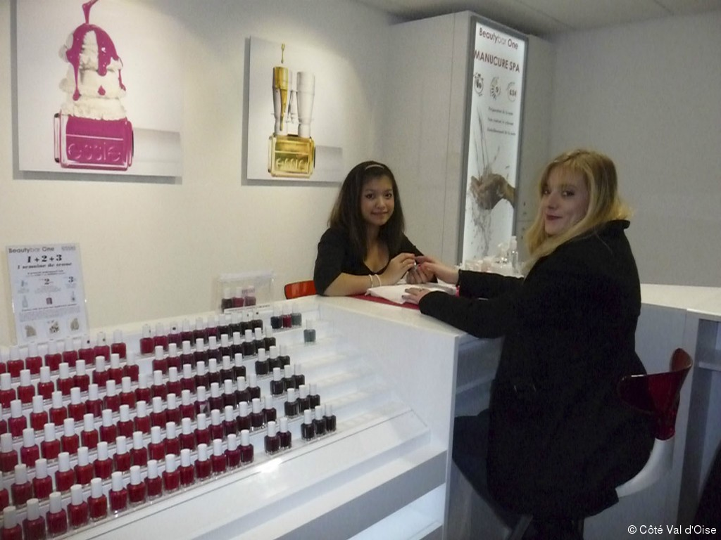 faux ongles cergy